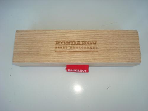 Деревянная коробка футляр для ручки Kondakov asset management