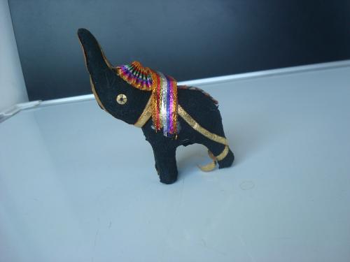 Индийский слон чёрный. Сувенир из Индии