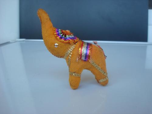 Индийский слон оранжевый. Сувенир из Индии