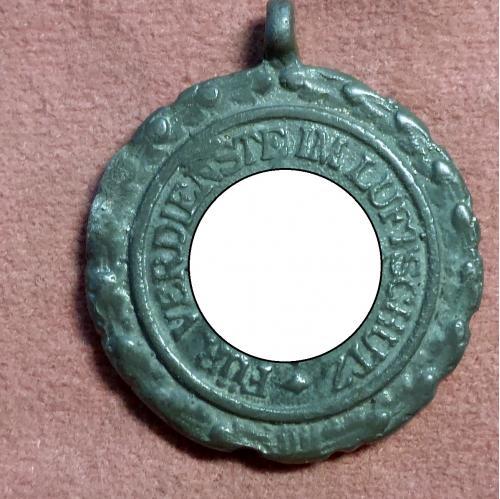 Медаль за верную службу по охране воздушного пр-тва 2кл.Оригин/Für verdienste im luftschutz.3 Reich