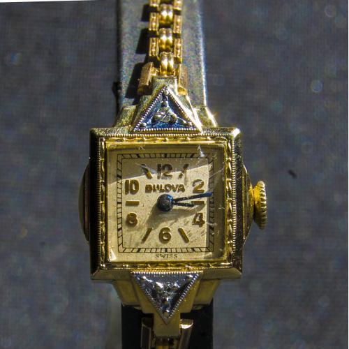 Винтажные часы с бриллиантами Bulova.Механика.