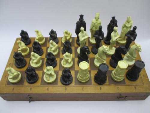 Шахматы сувенирные Рыцари СССР