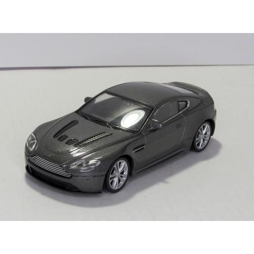 Aston Martin V12 Vantage Welly коробка 1:43