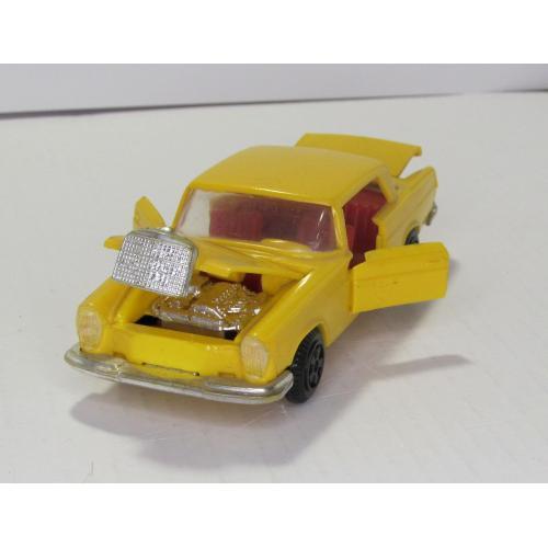 Mercedes Benz 250 SE CCCP желтый ремейк сделано в СССР пластик 1:43
