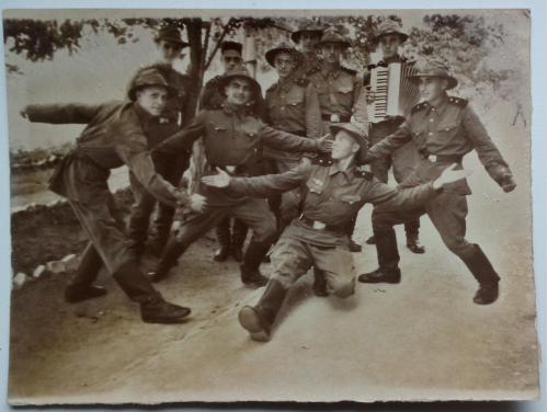 Старое фото Симферополь В/ч 31529 Крым 1956г  Форма  Военный Ремень Сапоги Гармошка
