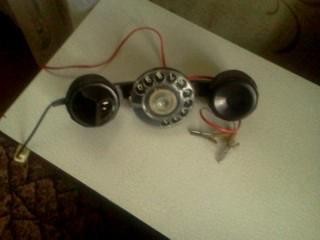 Телефонная трубка с цыферблатом