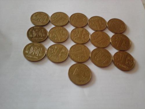 1 гривня 2001.  года 16 штук