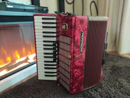 Оригінальний німецький акордеон Weltmeister