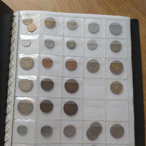 Коллекция монет в хорошем состоянии.