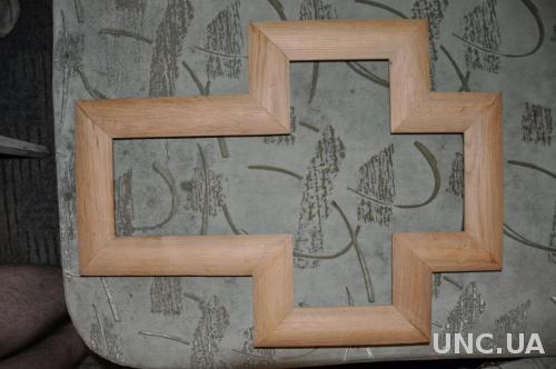 Рамка дубовая форме креста