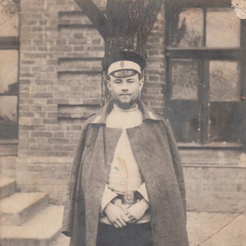 2 Фото. Из солдата в чиновника.