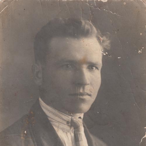 Фото. Молодой человек в кожаном пальто. 1920-30 гг.