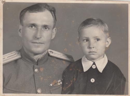 Фото. Офицер в репарационных погонах. 1946 г.