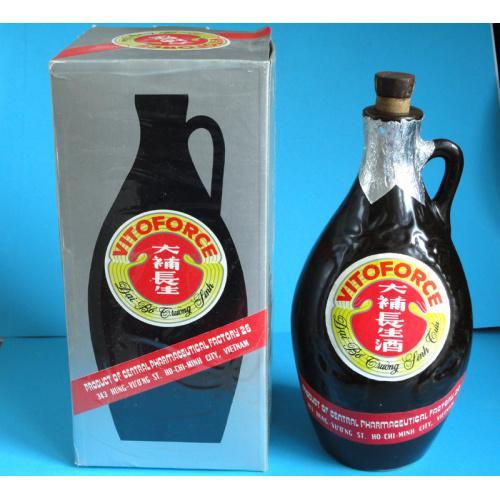 Бутылка пустая из-под VITOFORCE, Вьетнам, керамика, 700 мл. 1991г.