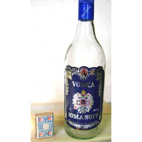Бутылка пустая VODKA_ROMANOFF 1л. 40%vol. 1980-е годы. Бутылка из Греции