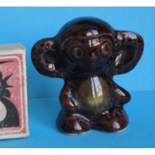 Фигурка ЧЕБУРАШКА. Керамика. Высота 6,5 см. Ширина 6,3 см. 1980-е годы  Оригинал.