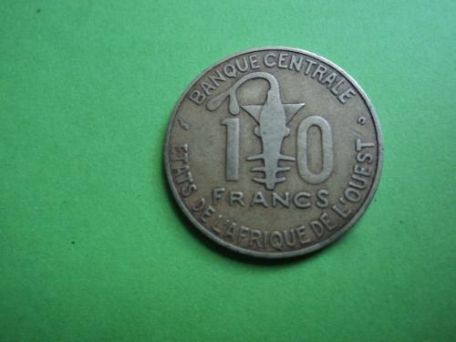 Африка. КФА. 10 франков 2002г.