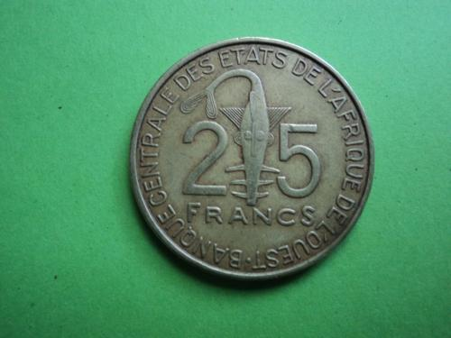 Африка. КФА. 25 франков 2015г.