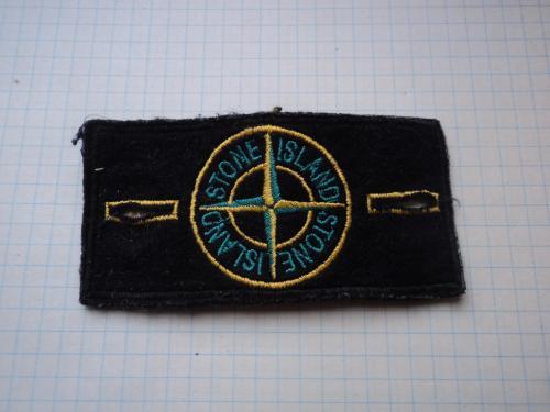 Нашивка-шеврон на 2 пуговицы Одна из символик Нато. Бренд одежды.