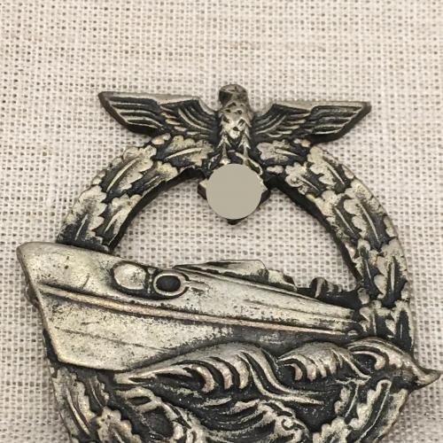 Нагрудный знак Член команды торпедного катера