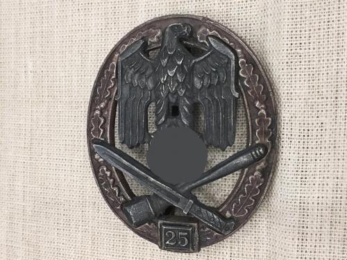 Нагрудный знак За участие в общих штурмовых атаках 25