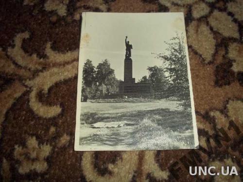 Памятник погибшим рабочим 9.01.1905г. Ленинград.