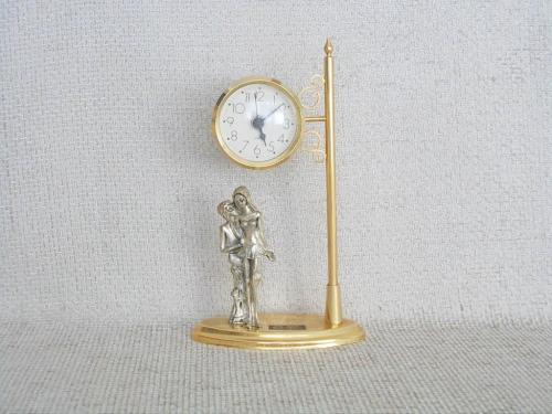 №474 Часы кварцевые миниатюрные Свидание Германия рабочие (без батарейки) Металл золотистого цвета