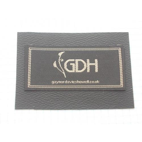 №691 Этикетки фирменные новые на различной ткани коллекционные образцы 8 штук