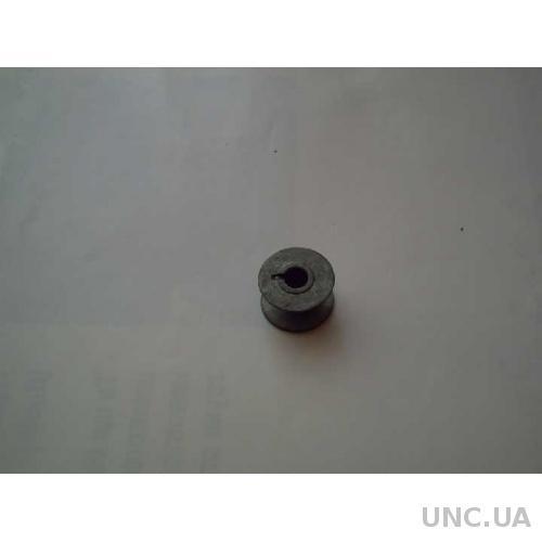 Катушка в челнок - СССР - швейная машинка .