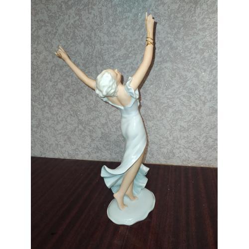 Фарфоровая статуэтка Танцовщица Unterweissbach