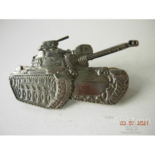 танк Т-80.