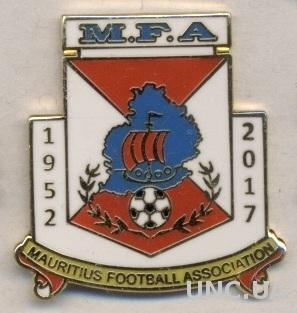 Маврикий ,федерация футбола, юбилей 65,ЭМАЛЬ / Mauritius football federation pin