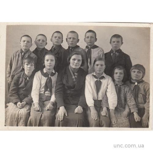 ФОТО.  ПРИЛУКИ. ШКОЛА. ПИОНЕРЫ 1941 Г