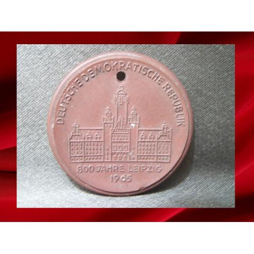 2044 Медаль Мейсен, Meissen, 800 лет Лейпциг, керамика, диаметр 4 см, вес 10,7 гр