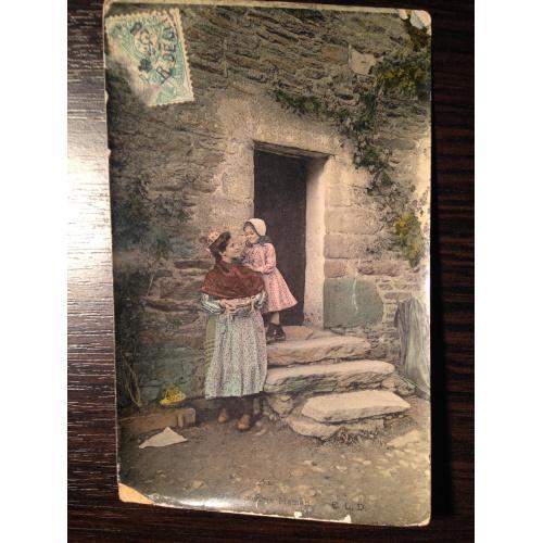 Французская фотооткрытка Мама с дочкой.