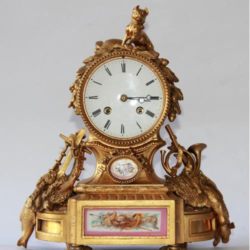 Часы каминные с ртутной позолотой. Фарфоровая вставка с живописью.