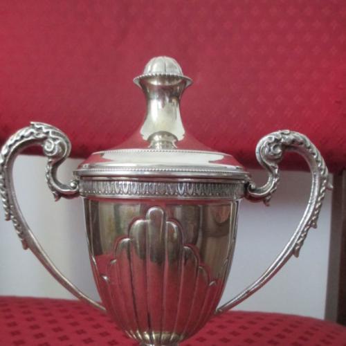 Антикварная серебро сахарница ручки Драконы. h- 19 см. вес- 244 гр.