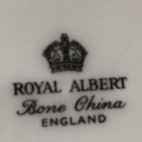 Королевский фарфор тарелка ROYAL ALBERT ENGLAND. + JORK  Minster D-20 см. 2 штуки.