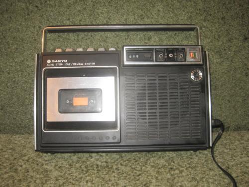 Магнитофон Sanyo M 2215 японский рабочий с инструкцией