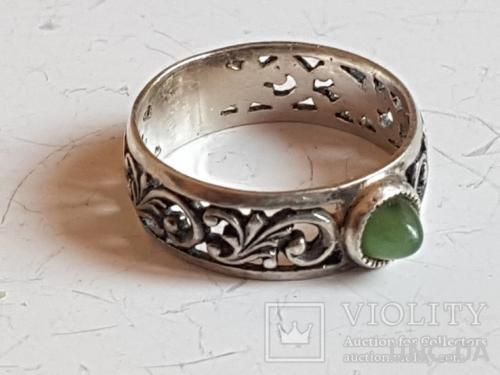 Кольцо 925 проба серебро, камень. Украина. Размер 18.