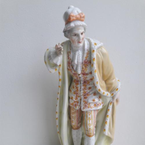 Фарфоровая статуэтка мужчины Ernst Bohne 1854 -1900 гг