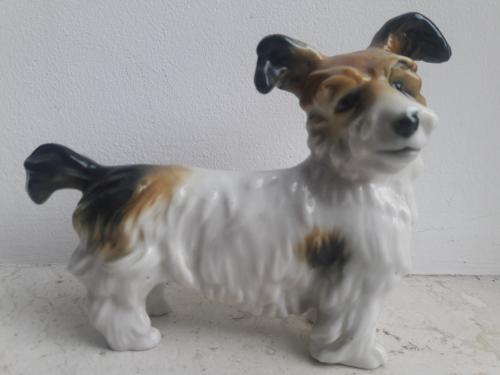 Фарфоровая статуэтка собаки породы Терьер. фабрика Карла Энса
