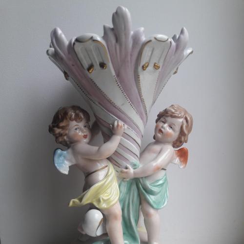 Фарфоровая ваза два ангелочка Scheibe-Alsbach начало 20 В