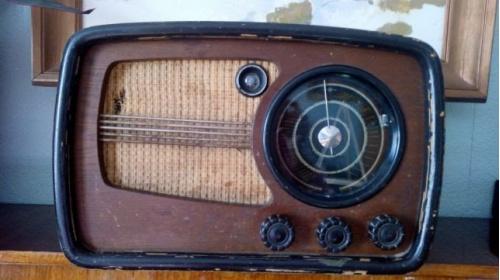 Радиоприемник ВЭФ СУПЕР М-557 (СССР)