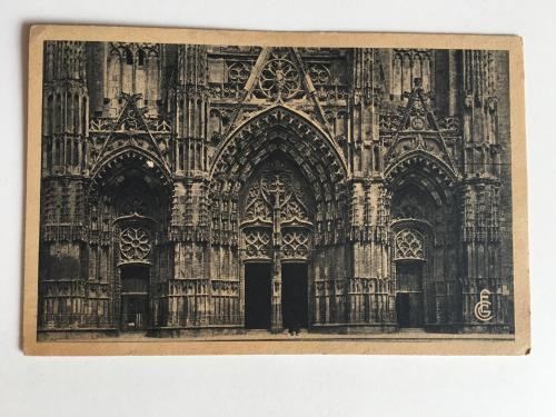 Oткрытка. La Cathedrale St-Gatien