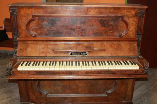 "Антикварное немецкое пианико 18 - го века ""Meuche & Co. Zeitz"""