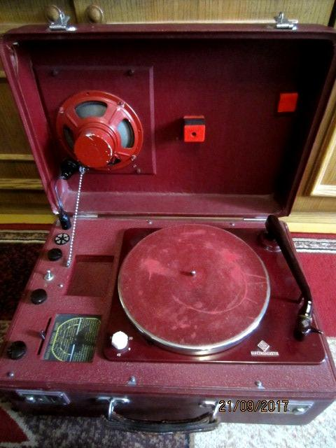 Elac electroacustic Miracord радио граммофон 1951 года