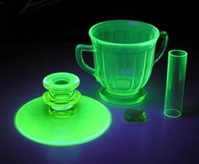 Страшно красиво: изделия из уранового стекла