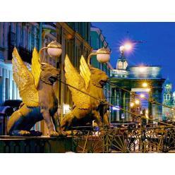 В скульптурах крылатых львов в Петербурге нашли монеты и записки