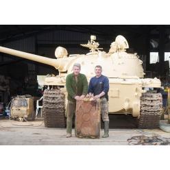 Коллекционер обнаружил в старом танке золото на 2,5 миллиона долларов